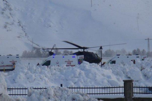 Bitlis'te Operasyon Yapan Askerlerin Üzerine Çığ Düştü
