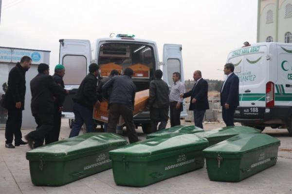Feci Kazada Hayatını Kaybeden 9 Kişinin Cenazesi Gaziantep'e Getirildi