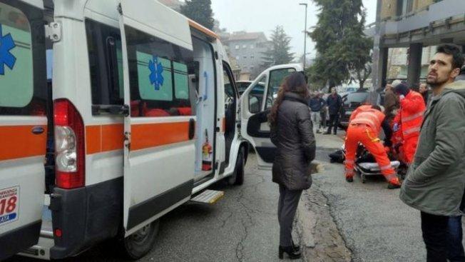 İtalya'da Sokak Ortasında Siyahi Göçmenlere Silahlı Saldırı Yapıldı