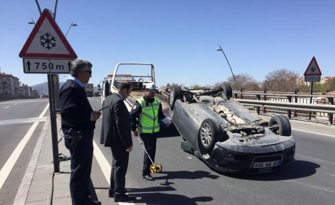 Kayseri'de Trafik Kazası, Araç Ters Döndü