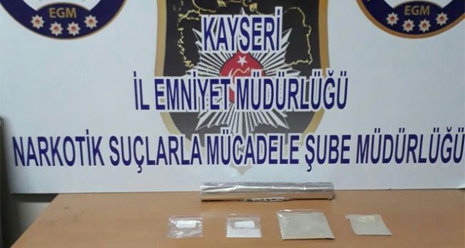 Jandarmadan 210 gram metamfetamin operasyonu