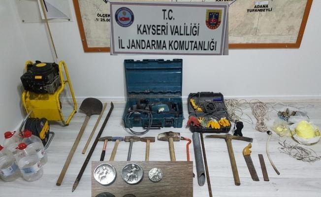 Jandarmadan İzinsiz Kazı Yapanlara Operasyon: 9 Gözaltı