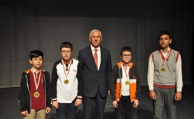 Matematik Yarışması Ödül Töreninde Ödüller Sahiplerini Buldu