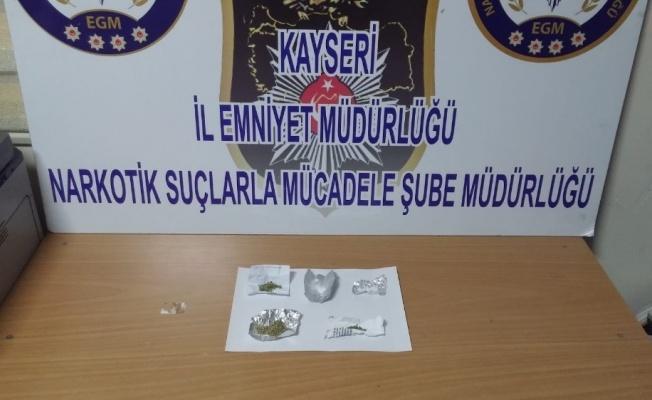 Narkotik Ekiplerinden Zehir Tacirlerine Operasyon