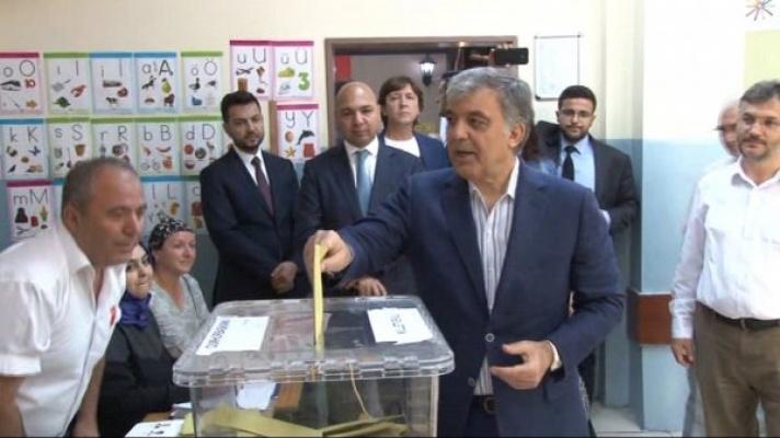 11. Cumhurbaşkanı Abdullah Gül oyunu kullandı!