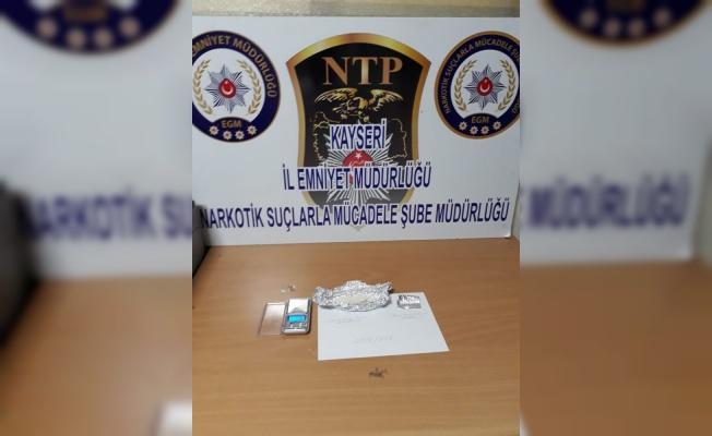 6 uyuşturucu satıcısı gözaltına alındı