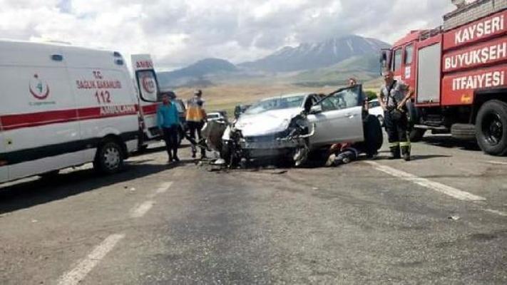 Develi'de feci kazada 1 kişi öldü 10 kişi yaralandı!