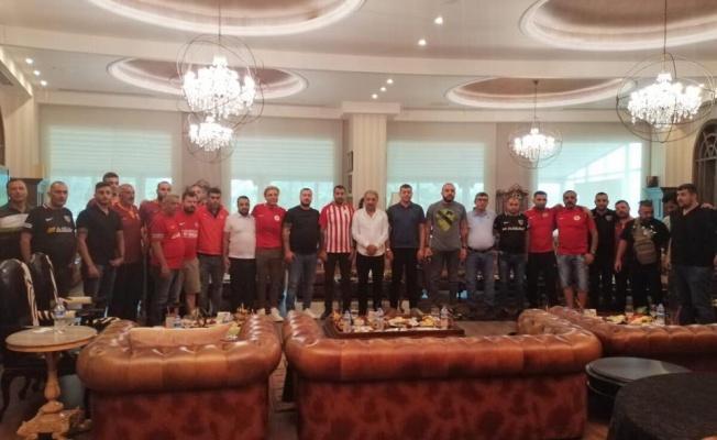 Kayserispor ve Antalyaspor Taraftarı Barıştı
