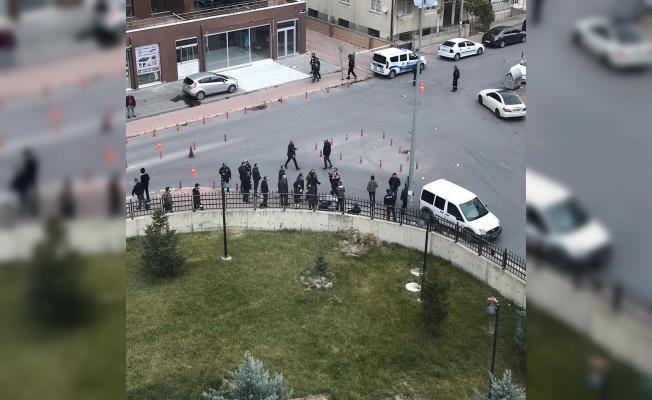 Kayseri Adliye önünde silahlı çatışma!