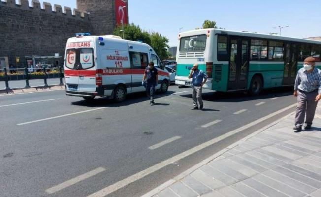 Hasta taşıyan ambulans kaza yaptı!