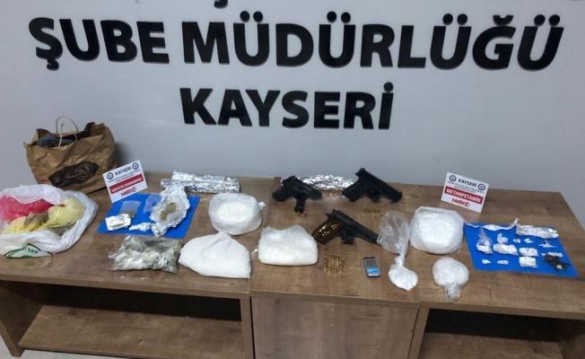 Kayseri'de 2.412 gram metamfetamin operasyonu: 7 gözaltı!