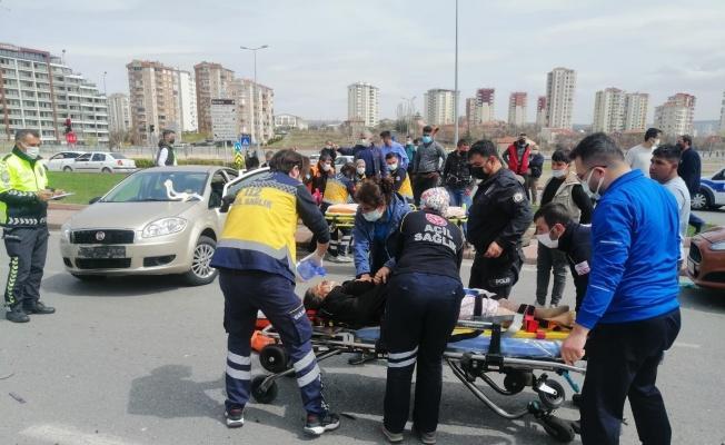 Trafik kazasında can pazarı: 1'i ağır 5 yaralı