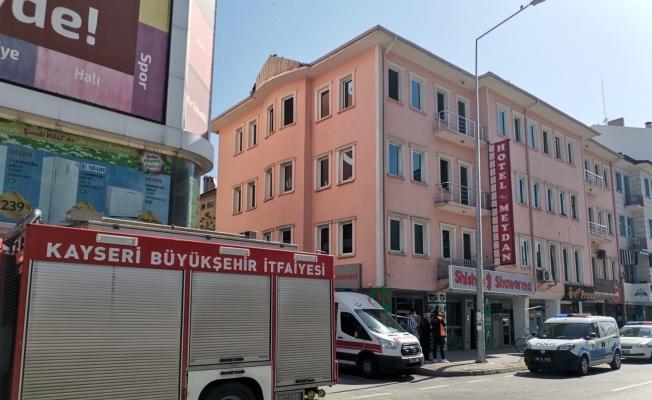 Kayseri'de 1.5 saatlik intihar girişimi polisin uzun uğraşları sonucunda son buldu